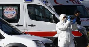 الأجهزة الأمنية والطبية التركية في مكان التفجير