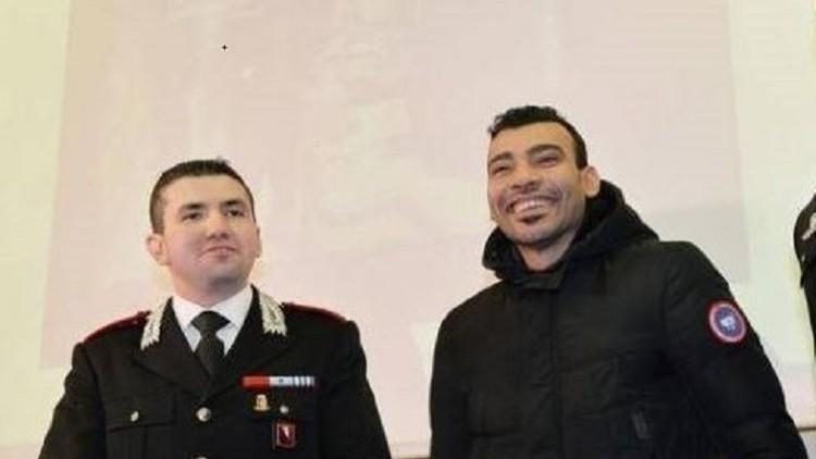"""إيطاليا تمنح مصري إقامة شرعية ولقب """"بطل"""" بعد أحباطه محاولة سطو مسلح بـ""""تورينو"""""""