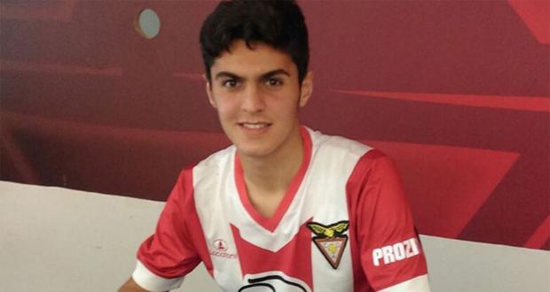 رسمياً .. لاعب سوري يوقع عقداً مع أحد الأندية البرتغالية