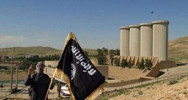داعشي بالقرب من سد الموصل (ارشيف)