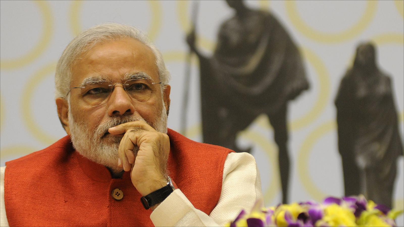 """""""داعش"""" يهدد بالقتل رئيس الوزراء ووزير الدفاع الهندي لمنعهم اكل لحم البقر"""