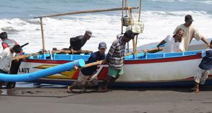 صيادين-في-ماليزياأرخبيل-لانغكافي-شمال-غرب-ماليزيا