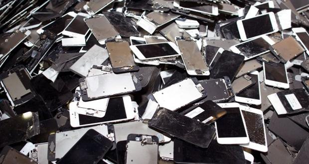 """أبل تعتزم شراء هواتفها """"آيفون 5 إس و6 و6 بلس"""" المكسورة !!"""