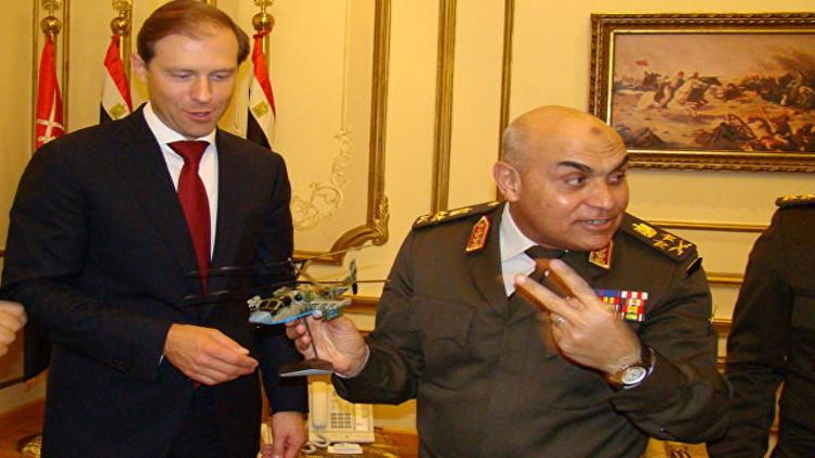 وزير روسي يهدي وزير الدفاع المصري طائرة Sputnik