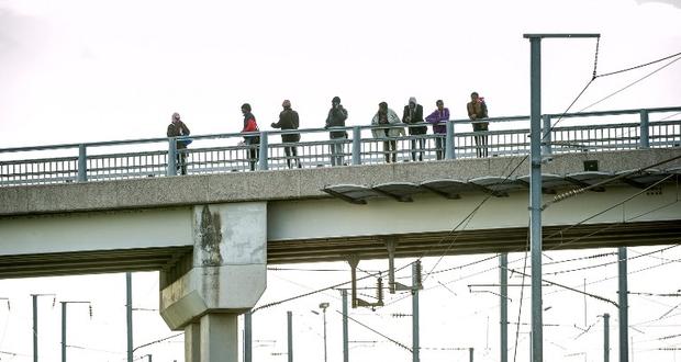 فرنسا: اعتقال 14 محتجاً مناهضاً للهجرة في مدينة كاليه