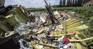 بقايا الطائرة الماليزية التي سقطت فوق أوكرانيا في صيف 2014
