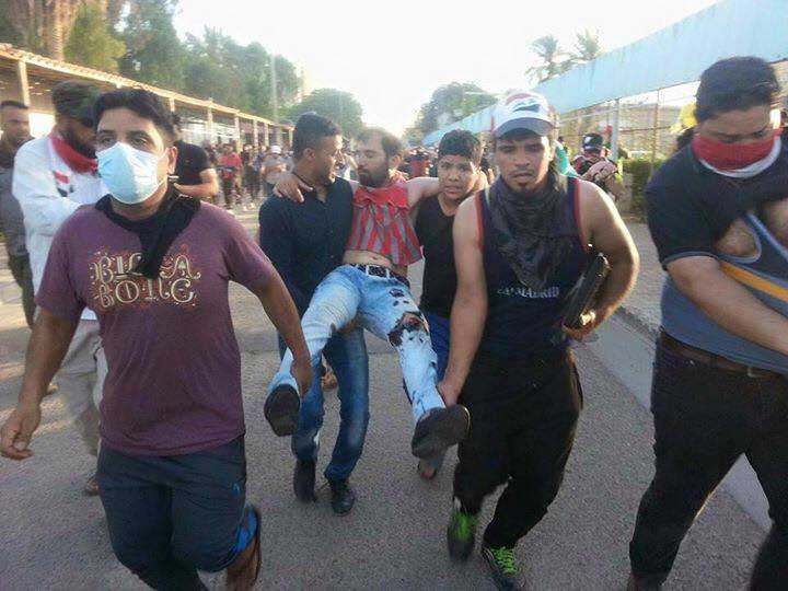الشرطة النهرية تطلق الرصاص على متظاهرين حاولوا عبور نهر دجلة سباحة ودخول المنطقة الخضراء