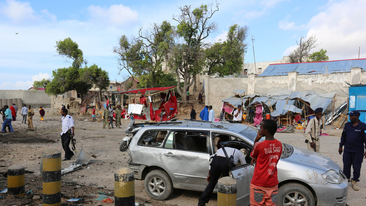 حركة الشباب تعلن تنفيذها هجوما بسيارة مفخخة استهدف فندقا في مقديشو