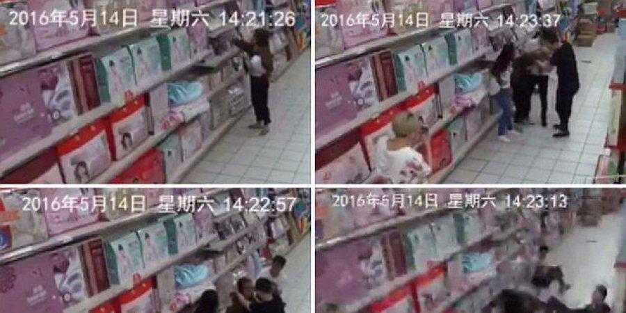 بالفيديو: شبح يهاجم امرأة ويثير الفزع بين رواد ماركت