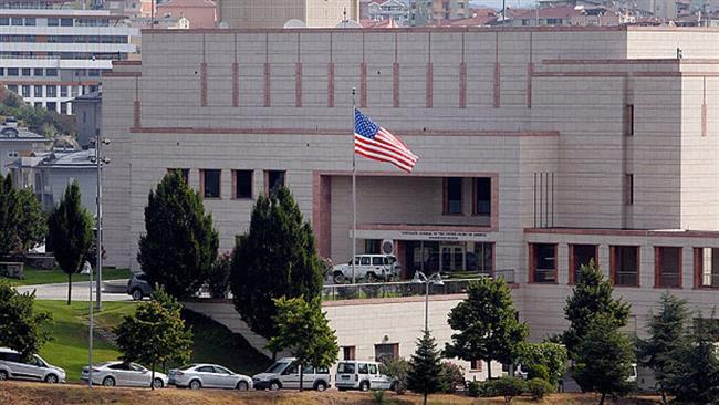 """قناصة قوات """"المارينز"""" تنتشر فوق مبنى السفارة الأمريكية في بغداد"""
