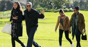 الرئيس الأمريكي باراك أوباما في جولة مع عائلته الصغيرة
