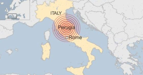 زالزال بقوة 6.4 درجات يهز وسط إيطاليا (صور)