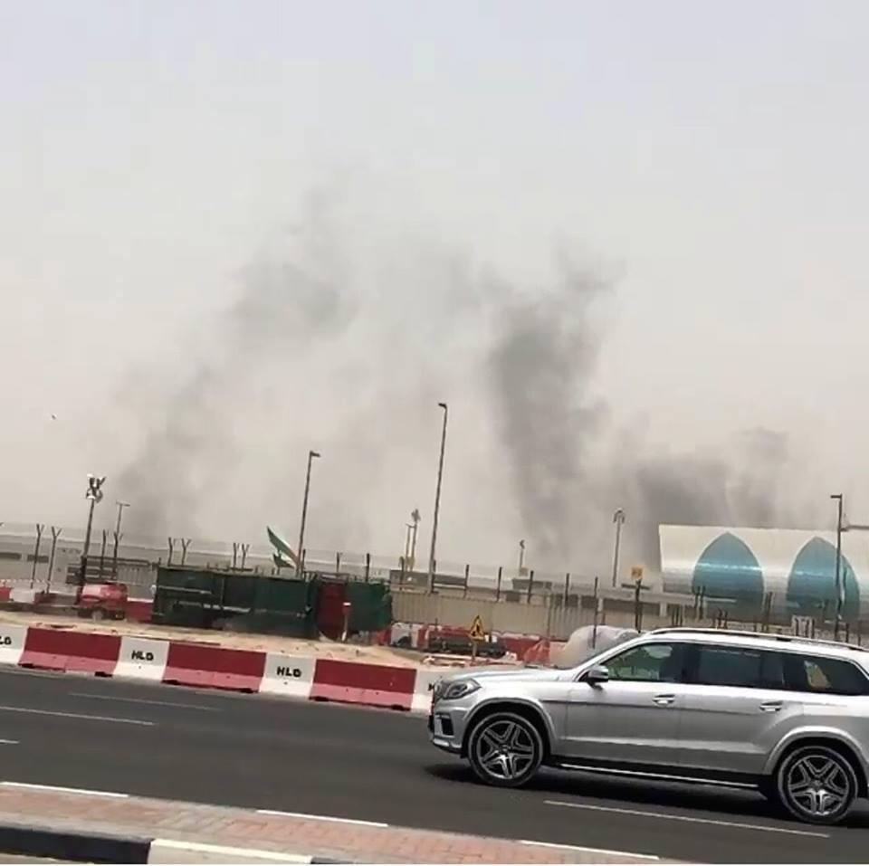 طائرة طيران الامارات مطار دبي