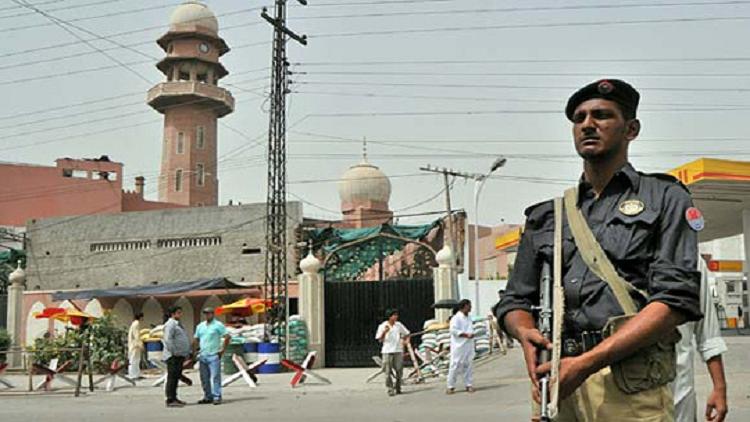 93 قتيلا و120 جريحا بتفجير داخل مستشفى في باكستان