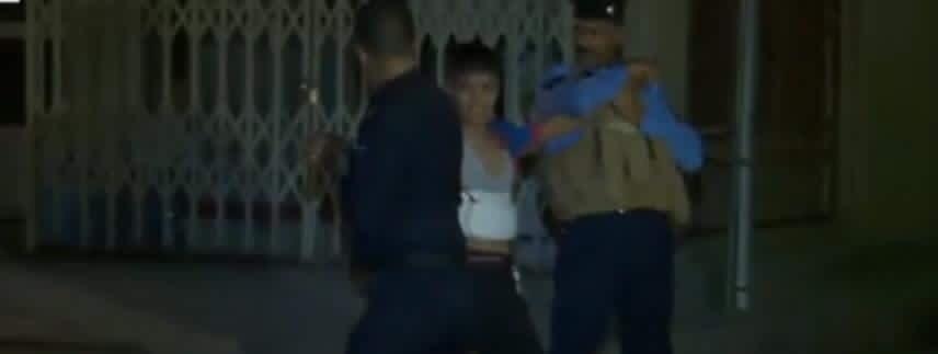 بالصور .. لحظة القاء القبض على الانتحاري القاصر في كركوك