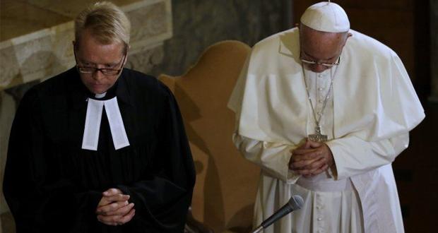 الفاتيكان: البابا فرنسيس يصلي من اجل العراق