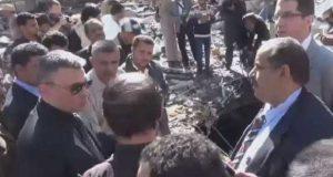 سفير روسيا يزور موقع مجزرة مجلس العزاء في صنعاء