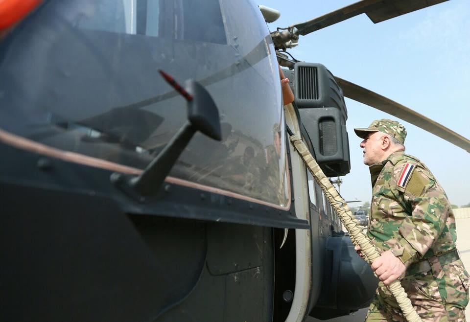 بالصور: حيدر العبادي يتفقد القطعات العسكرية في منطقة عمليات قادمون يانينوى