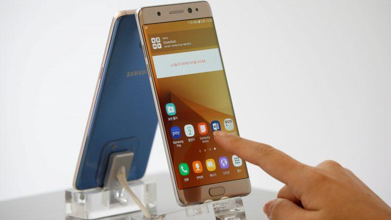 سامسونج تطالب مالكي هواتف نوت 7 إغلاقها وتسليمها فوراً