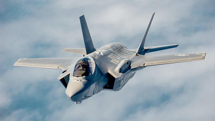 مسؤولون أميركيون: طائرتان روسية وأميركية كادتا تصطدمان فوق سوريا