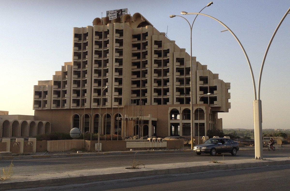 مصادر محلية: داعش يفجر فندق نينوى اوبروي الدولي شمال الموصل