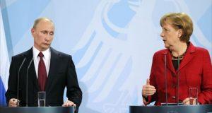 المستشارة الالمانية ميركل والرئيس الروسي بوتين (ارشيفية)