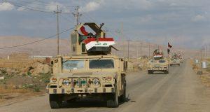 مدرعات الجيش العراقي في قره قوش قرب الموصل (Reuters Alaa Al-Marjani)