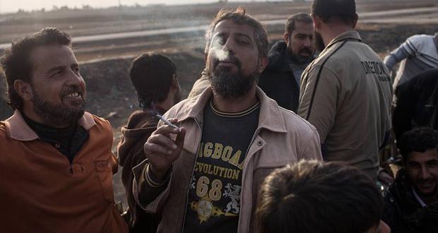 بالصور: الحياة تعود إلى طبيعتها في اجزاء من الموصل والاهالي يخشون عودة داعش الإرهابي