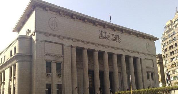 محكمة النقض المصرية تلغي أحكاما بالسجن المؤبد على محمد مرسي
