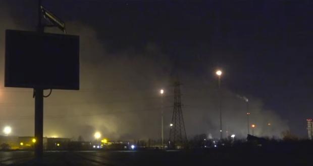 بالفيديو: اندلاع حريق كبير في واحد من اكبر مصافي اوروبا النفطية