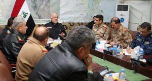 حيدر العبادي يجتمع بالقيادات الامنية والعسكرية في قواطع عمليات قادمون يانينوى (12/كانون الاول/2016)