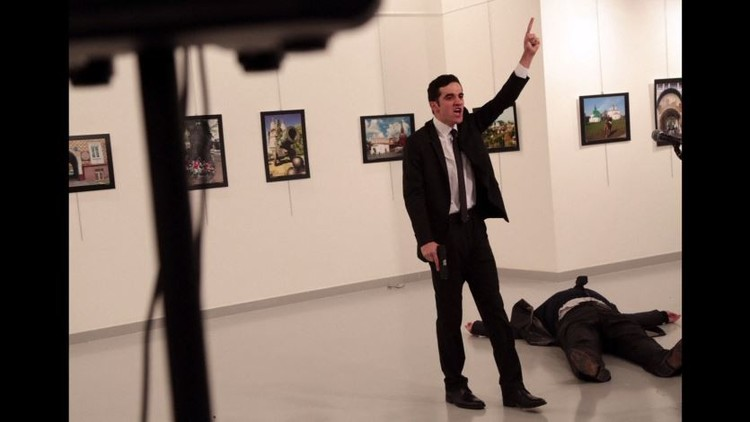 بالفيديو: من هو منفذ الهجوم على السفير الروسي في أنقرة؟