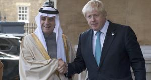 وزير الخارجية البريطاني بوريس جونسون ونظيره السعودي عادل الجبير (ارشيفية)