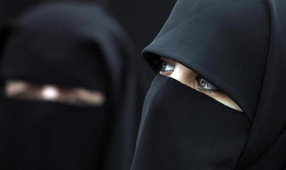 """النمسا تعتزم منع ارتداء """"البرقع"""" في الأماكن العامة"""