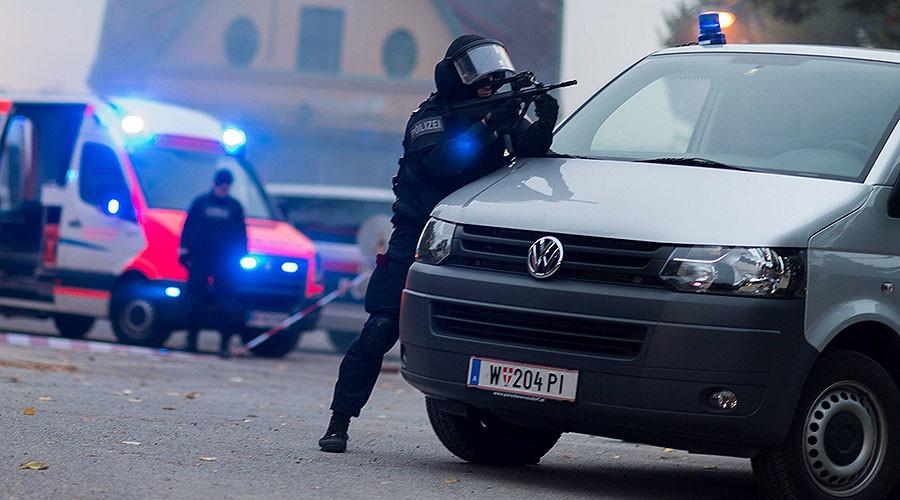 """الشرطة النمساوية تعتقل 8 في مداهمات متصلة ب""""داعش"""" الإرهابي"""