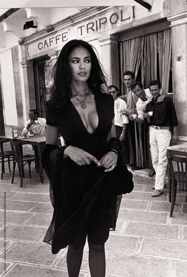 صور اسود وابيض الممثلة الايطالية ماريا غراتسيا كوسينوتا
