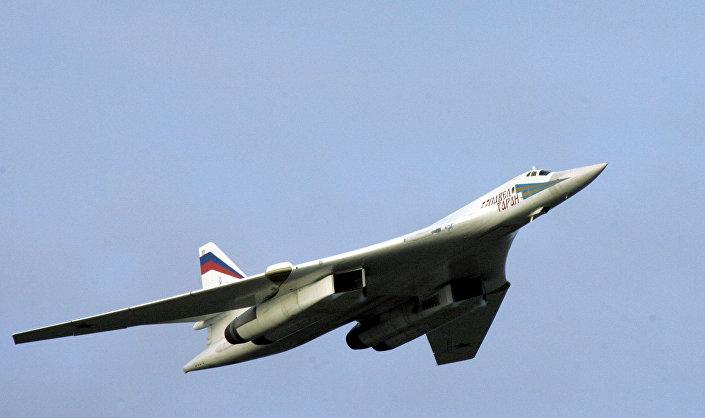 طائرة توبوليف تو-160