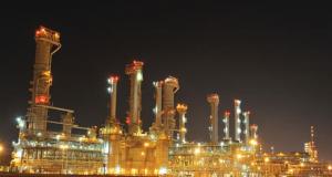 صورة لمصفاة الرويس في الامارات العربية المتحدة، تعود لعام 2014 أو اقدم،