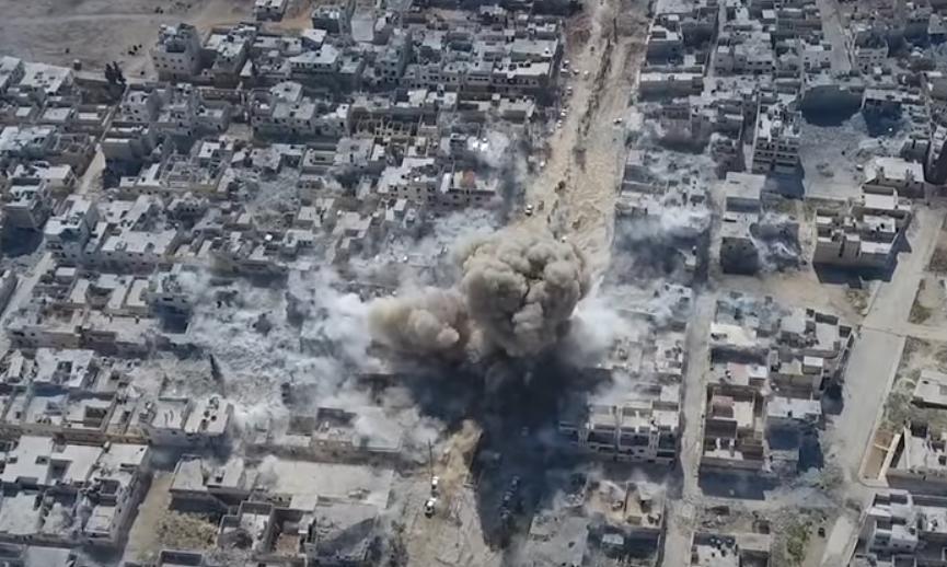 """بالصور: هكذا فجّر الأنتحاري """"الداعشي"""" نفسه وسط تجمعاً للجيش التركي في الباب"""