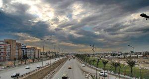صورة التقطاً حديثا في أحد شوارع العاصمة بغداد، وتظهر السماء غائمة