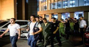 حملة اعتقالات في تركيا عقب محاولة الانقلاب الفاشلة