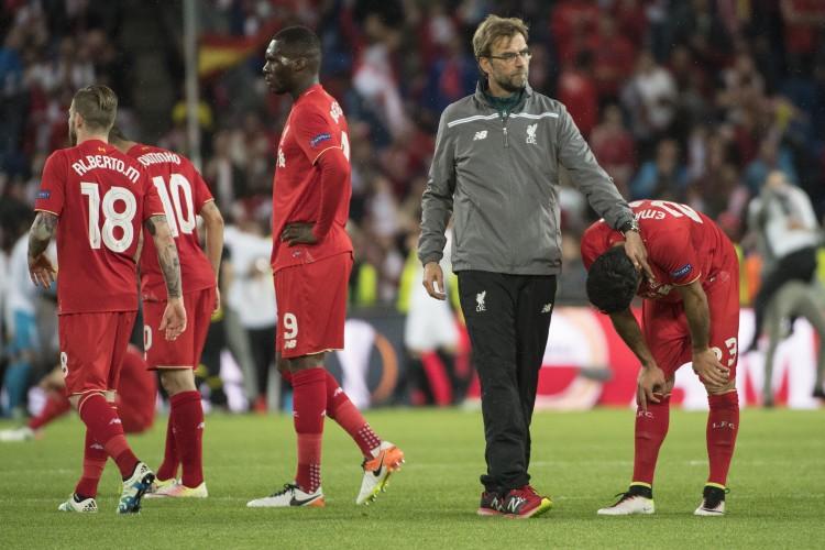 مدرب ليفربول يهدد بانسحاب فريقه  من كأس الرابطة الإنجليزية