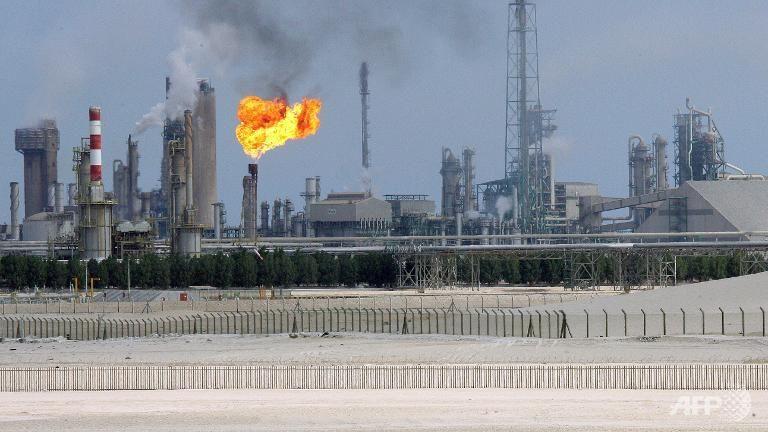 النفط: الأولوية بالحصول على فرص عمل بالوزارة لهذه الشريحة