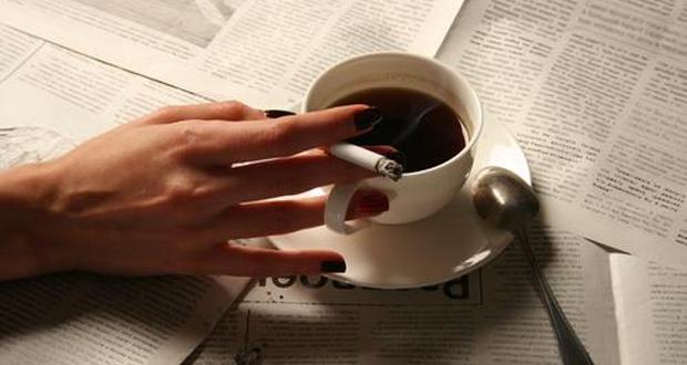 دراسة علمية: التدخين يزيد من الرغبة في تناول القهوة ومصادر الكافيين!