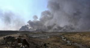 اندلاع النيران في آبار القيارة - داعش الإرهابي