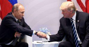 الرئيس الامريكي دونالد ترامب ونظيره الروسي فلاديمير بوتين في ميونخ - المانيا 2017