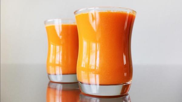 هذا العصير يفعل العجائب بجسمك إذا تناولته يومياً..