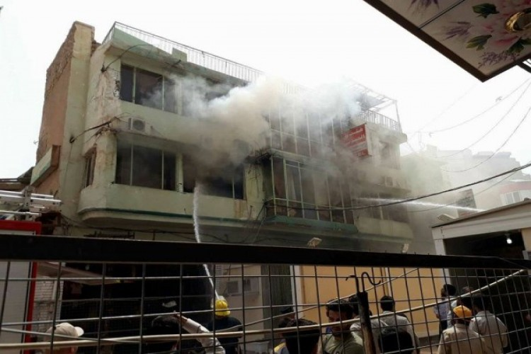 اندلاع حريق صباح اليوم في منطقة باب المعظم وسط بغداد