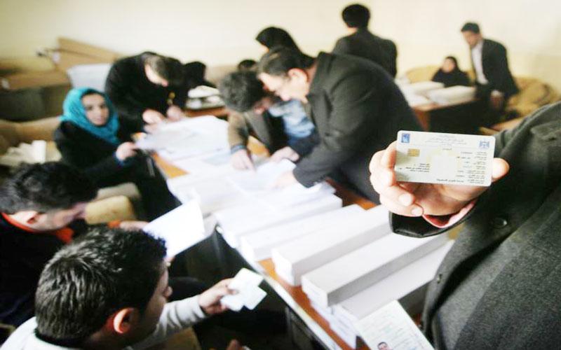مجلس الانبار يكشف محاولة جهات متنفذة لإلغاء التصويت الالكتروني بالانتخابات لغرض التزوير