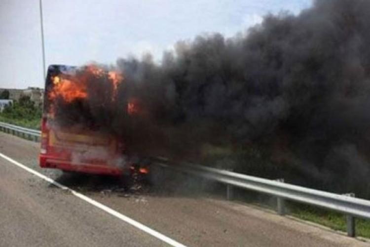 مقتل 20 عاملا مهاجرا من ميانمار في حريق بحافلة في تايلاند